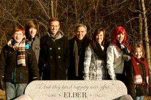 Eric-Elder-Family-Christmas-Eve-2013-4x6-2